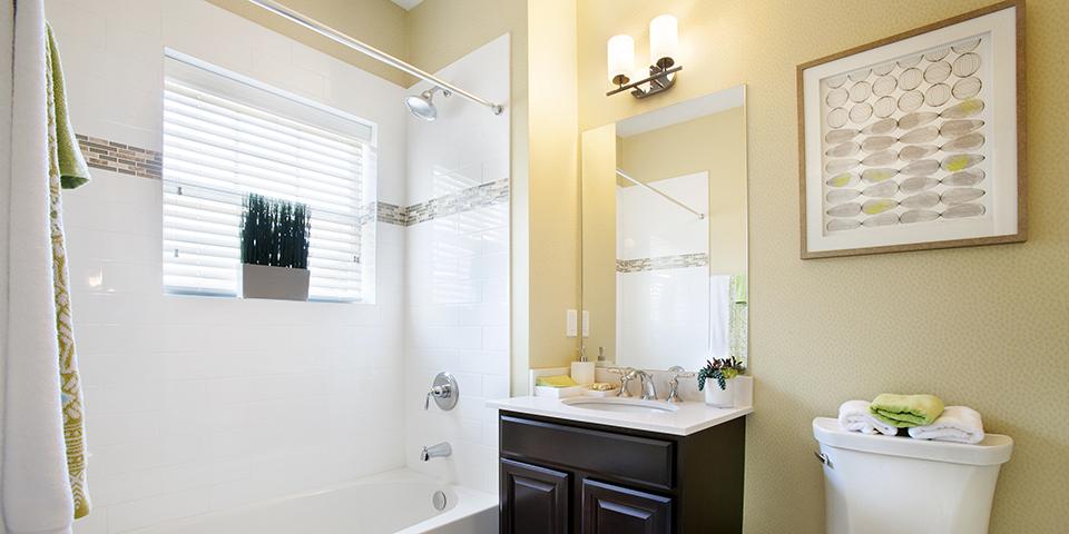The Club at Melville - Senior Housing - Augusta Model Bathroom